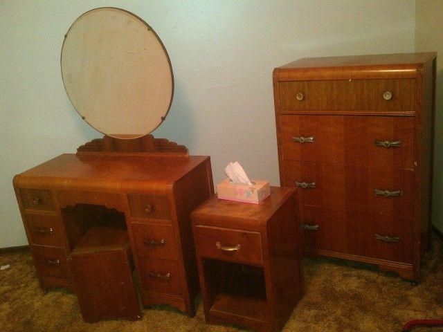 Image Detail For  Antique Furniture: Vintage Victoriaville Bedroom Set,  Furniture Ltd .
