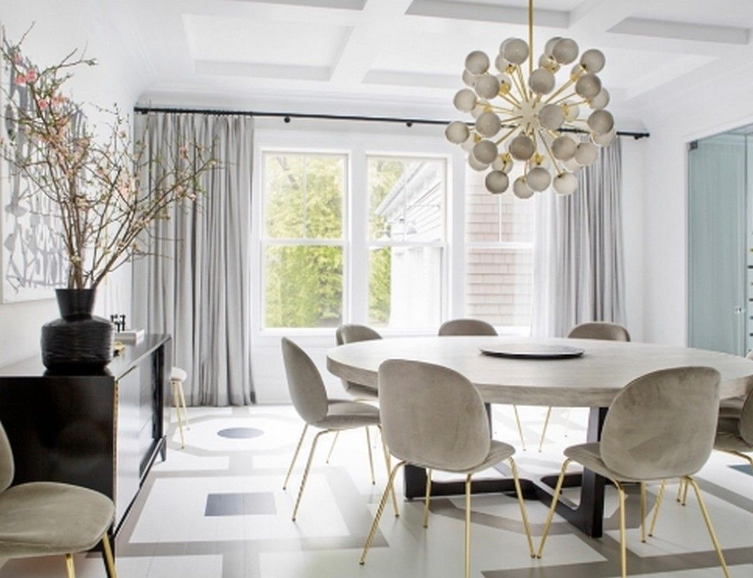 This Dining Room Has An Inspiring Round Table 4 In 2020 Velvet