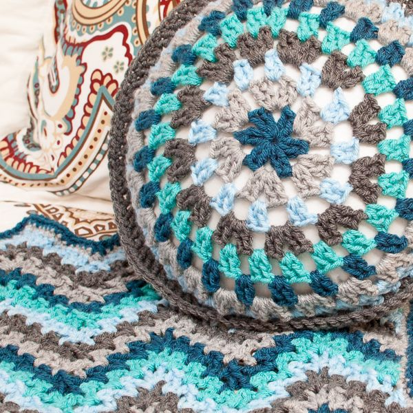 Round granny crochet pillow pattern crochet ripple afghan crochet round granny crochet pillow pattern dt1010fo