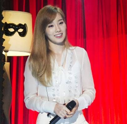 Producer Addresses Controversy Following Taeyeon S Elimination On Hidden Singer 2 Says No More Idols Will Be On The Show Hidden Singer Singer Kpop Girls