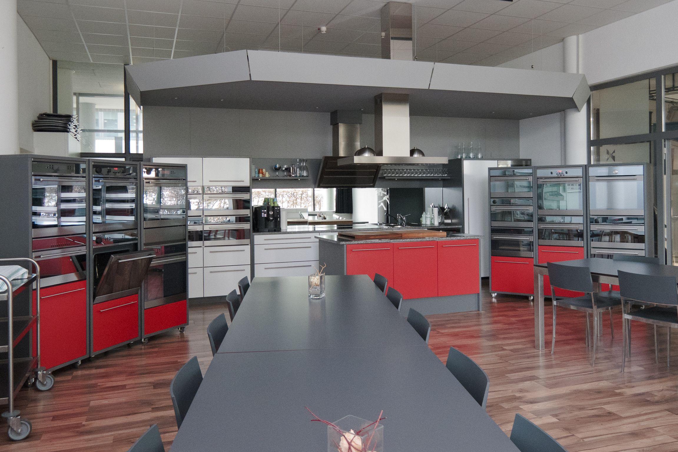 Kostenlose Kochseminar bieten dir die Möglichkeit, den Kombibackofen Profi Steam zu erleben. Besuche uns einfach im Electrolux Kunden Center in Bern. https://www.facebook.com/pages/Electrolux-Kunden-Center-Bern/401454703246729
