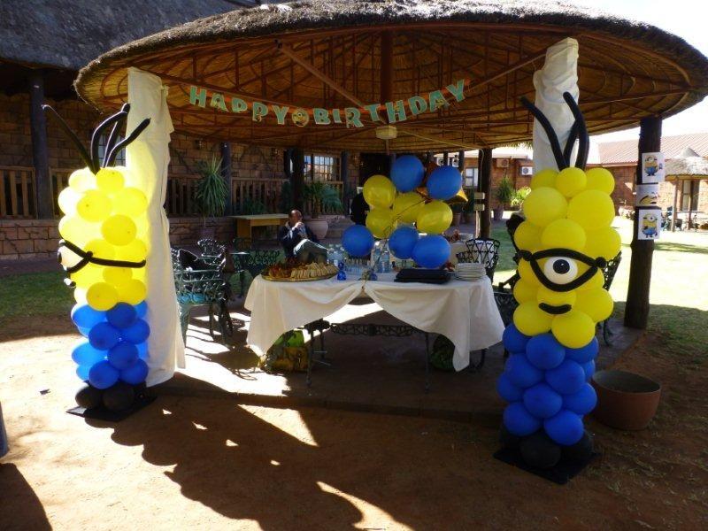 Minion balloons hardings party pinterest