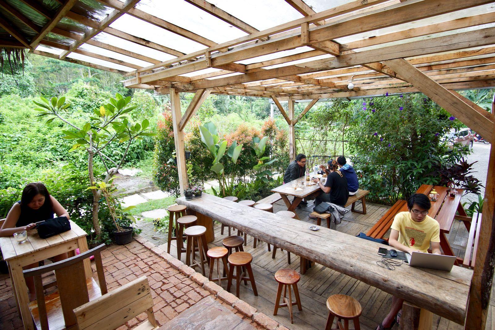 Beranda Armor Kopi Garden Hotel Desain Desain Restoran Desain Interior Kafe Backyard garden healthy drinks cafe
