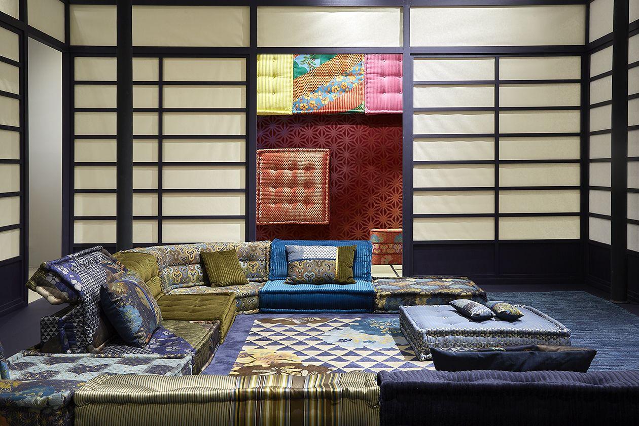 Roche Bobois Mah Jong Sofa Designed By Hans Hopfer Fabrics By Kenzo Takada Design D Interieur Contemporain Interieur Japonais Et Decoration Contemporaine