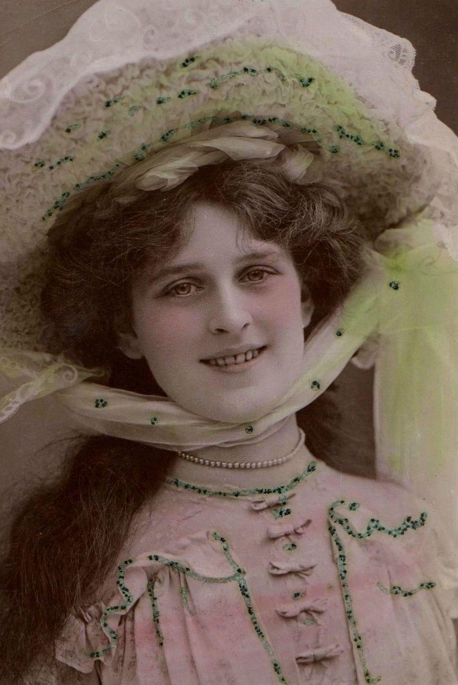 Oviya Helen,Joan Weston roller derby XXX fotos Giuditta Rissone (1895?977),Sammi Kane Kraft