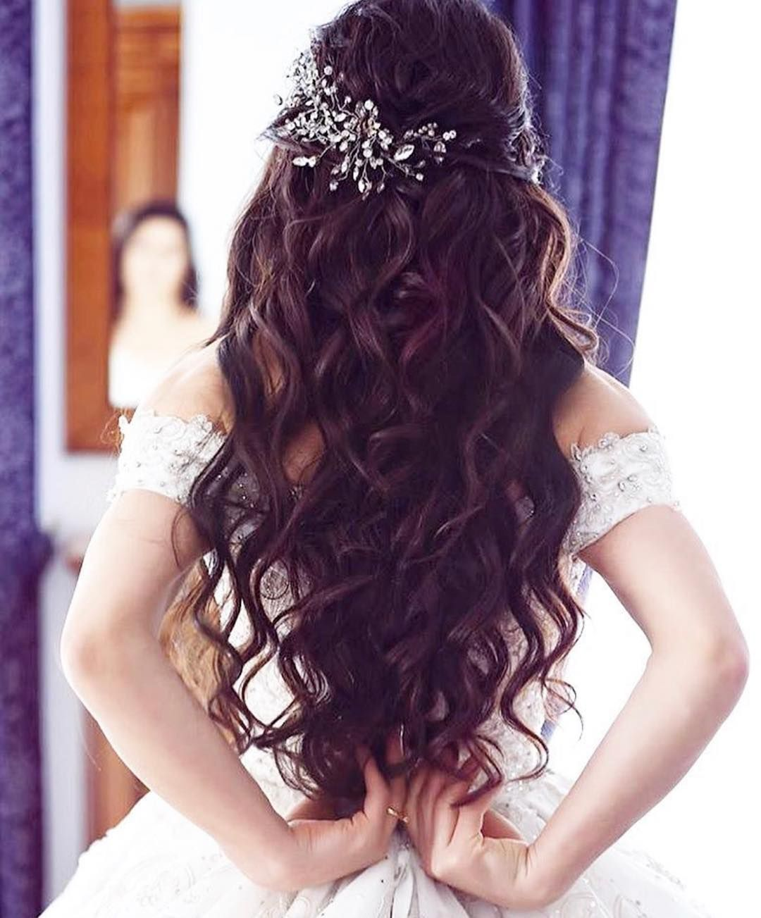 Pin By Dou On Rooms Engagement Hairstyles Bridal Hair Buns Bridal Hair Inspiration