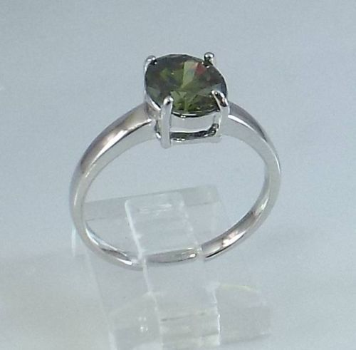 Ladies Peridot CZ Solitaire 18K White Gold Overlay Ring~Size 6--Free Gift Box