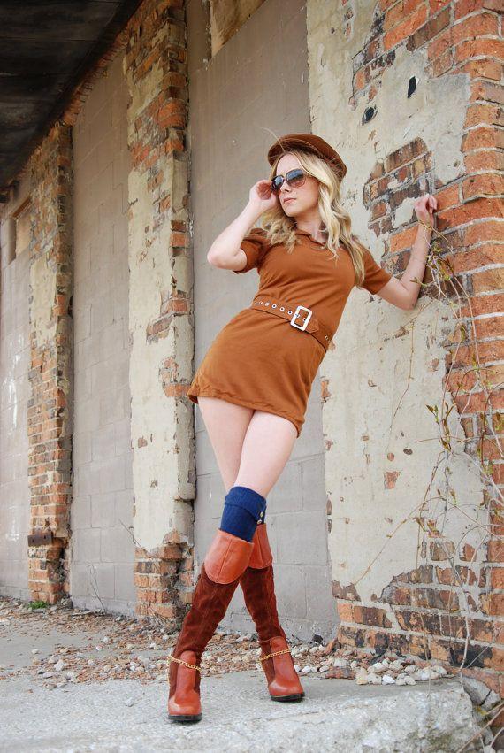 Vintage brown mini dress wool mod retro 1970s boho high waist #minidress #brownwooldress #60s #scooterdress #etsygift #vintagefashion #vogueteam