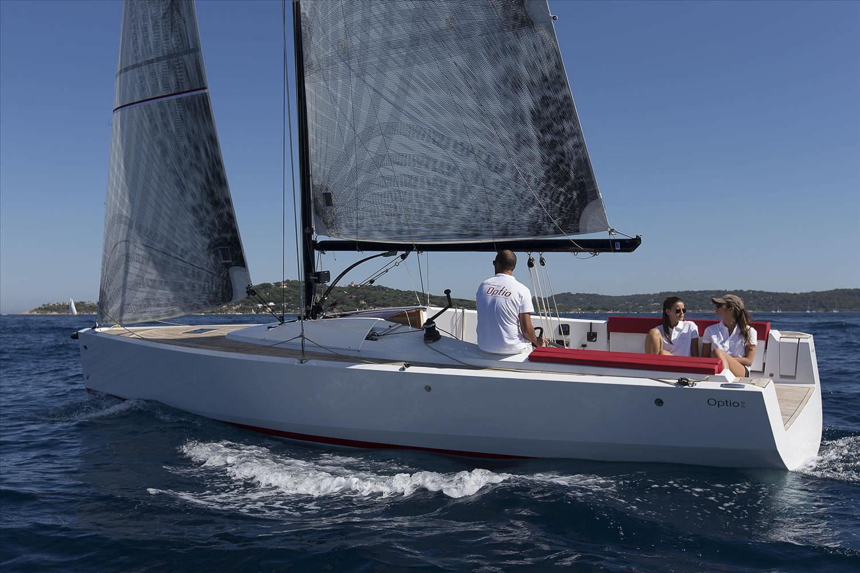Velero day-sailer / con popa abierta / con cabina / con quilla retráctil - OPTIO - Wauquiez - Vídeos