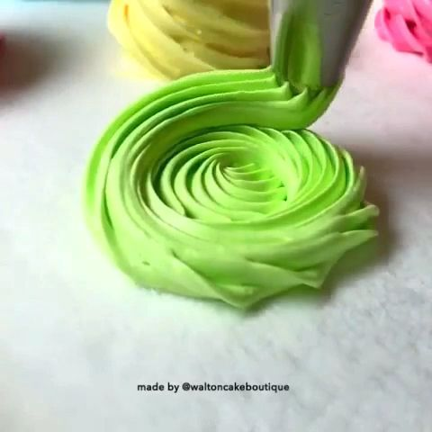 Amazing piping flowers