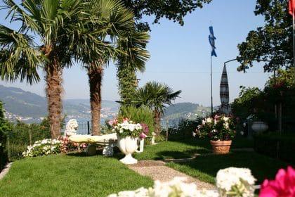 Die Toskana Nach Hause Holen Garten Mediterran Gestalten Toskana Mediterran Siesta Sitzplatz Pergola Kletterpflanzen Garten Toskana Mediterraner Garten