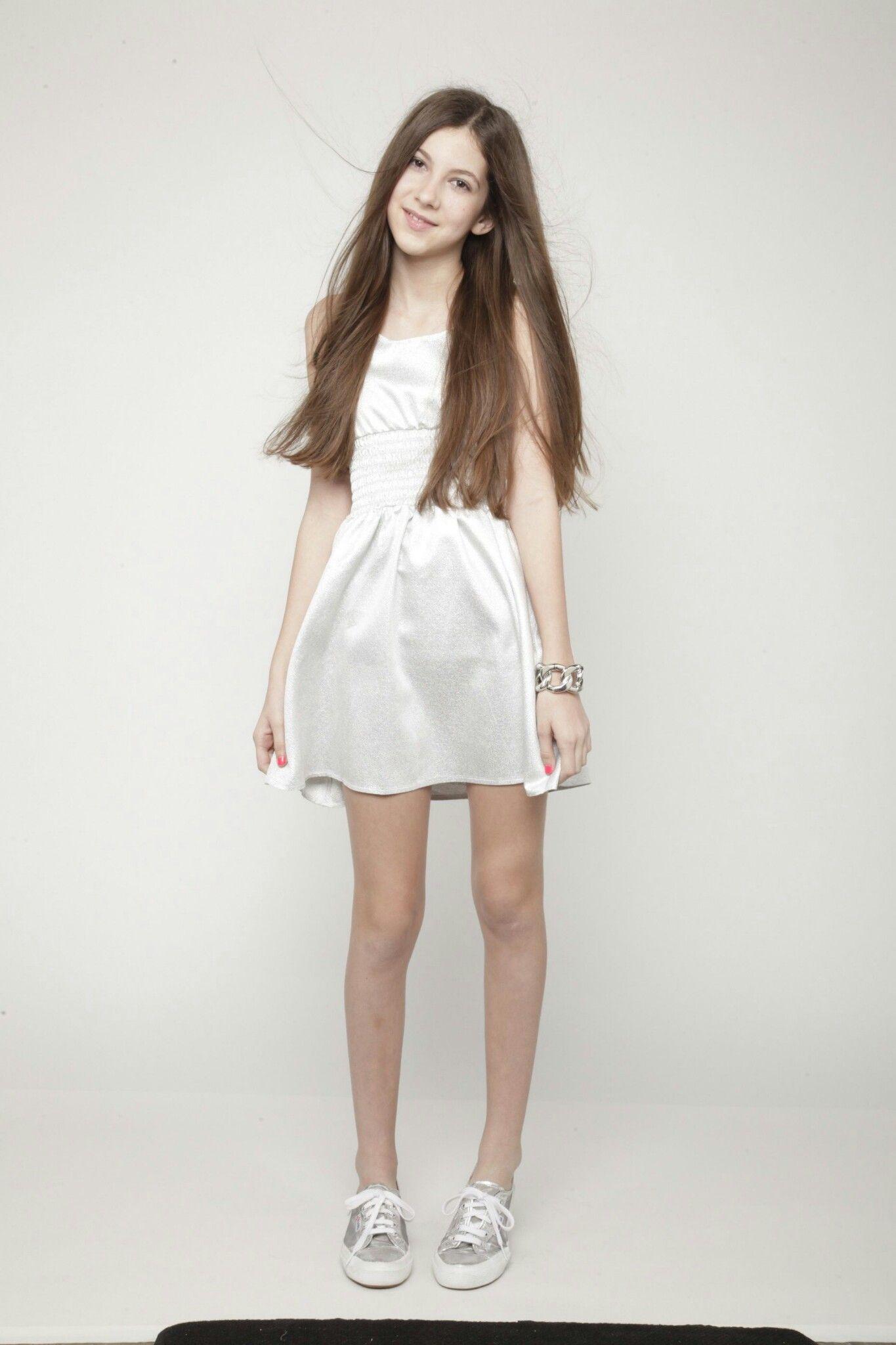 Nicolle teen model
