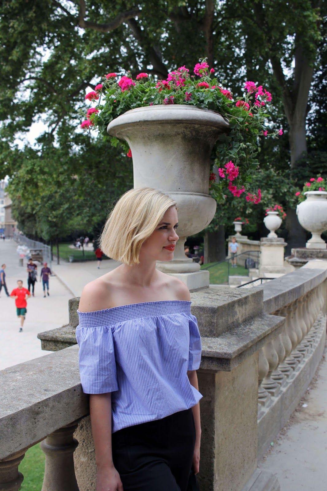 Jardin du luxembourg in august women off shoulder