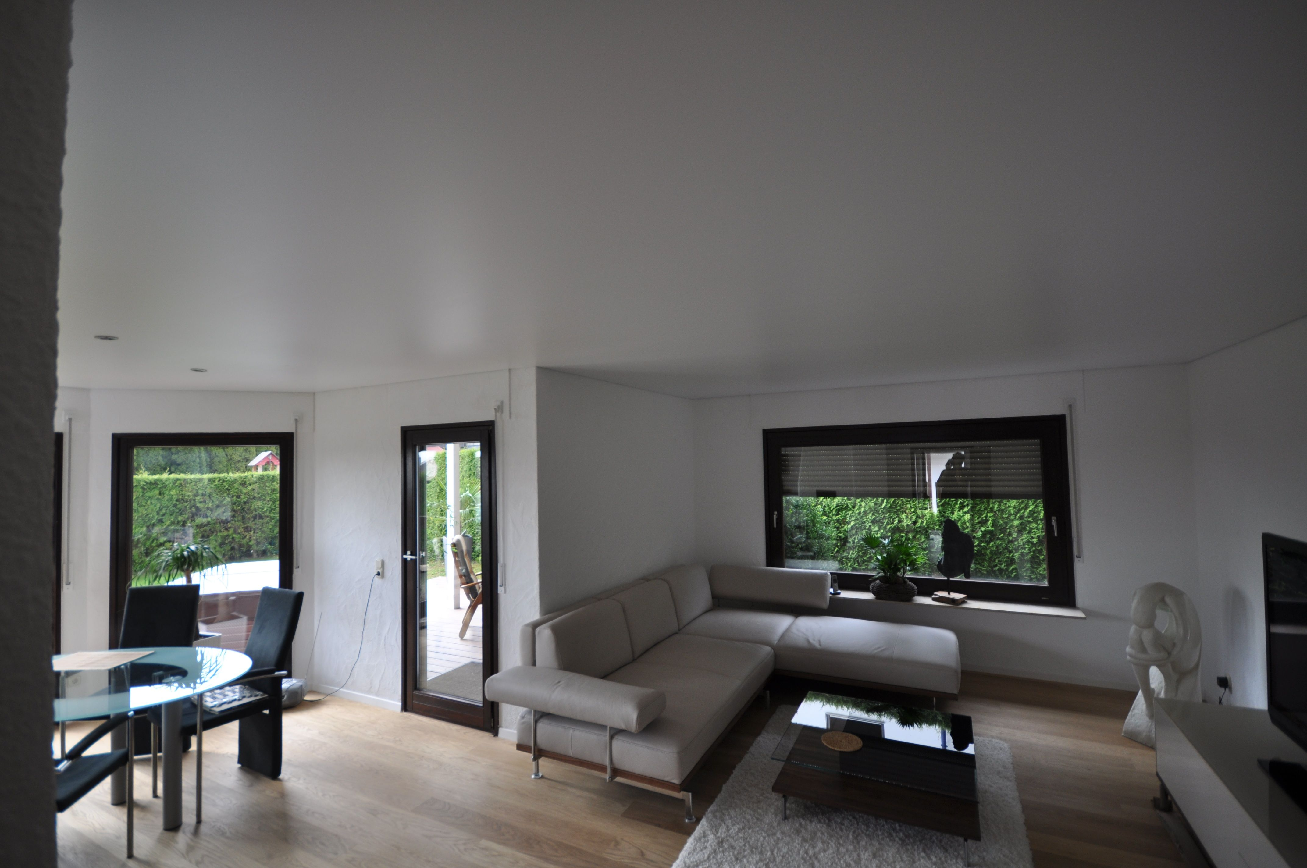 Spanndecke in weiß matt mit LED Einbaustrahlern #spanndecke ...
