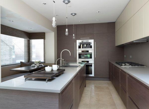 moderne küche kochinsel holz optik beige hochglanz fronten - moderne offene küche