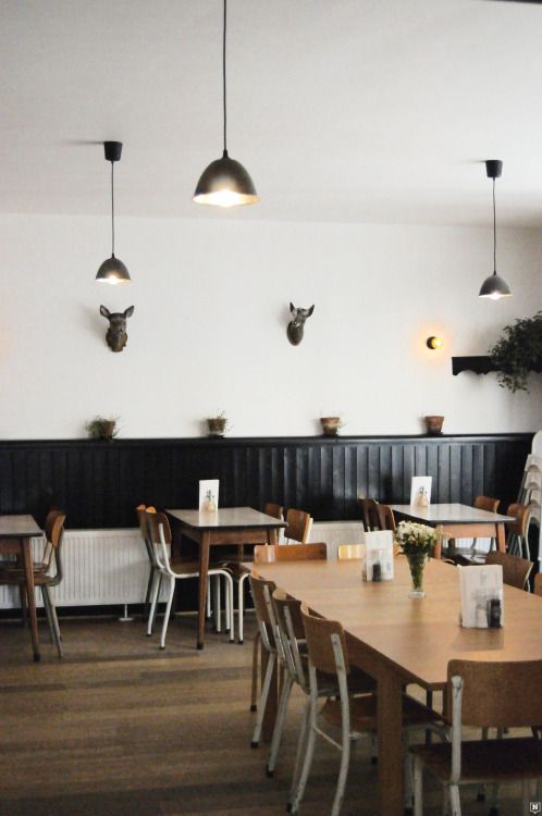 Café Kamiel in #Antwerpen www.newplacestobe.com  #currentlycoveting #holidays2015 #holidaze #holidaystyle