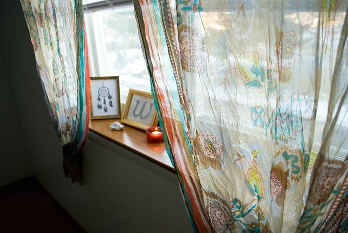 Diy Curtains Out Of Two Scarves Easy And Cheap Via