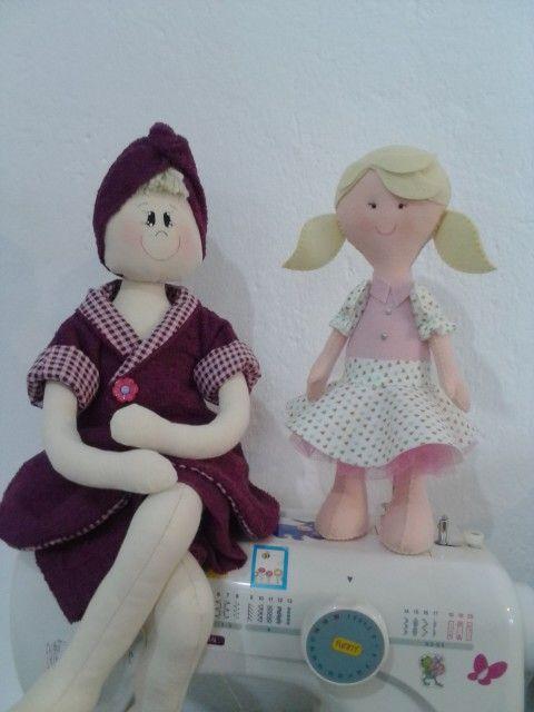 Boneca porta papel higiênico e boneca de feltro