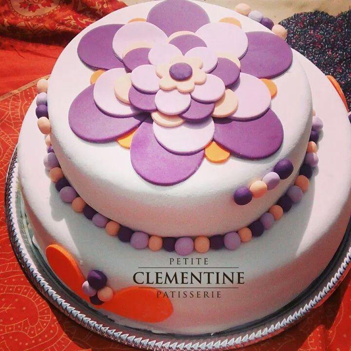 Tortas decoradas Deliciosas tortas decoradas. Tres capas de puro dulce de leche. Sorprendé a tus invitados.