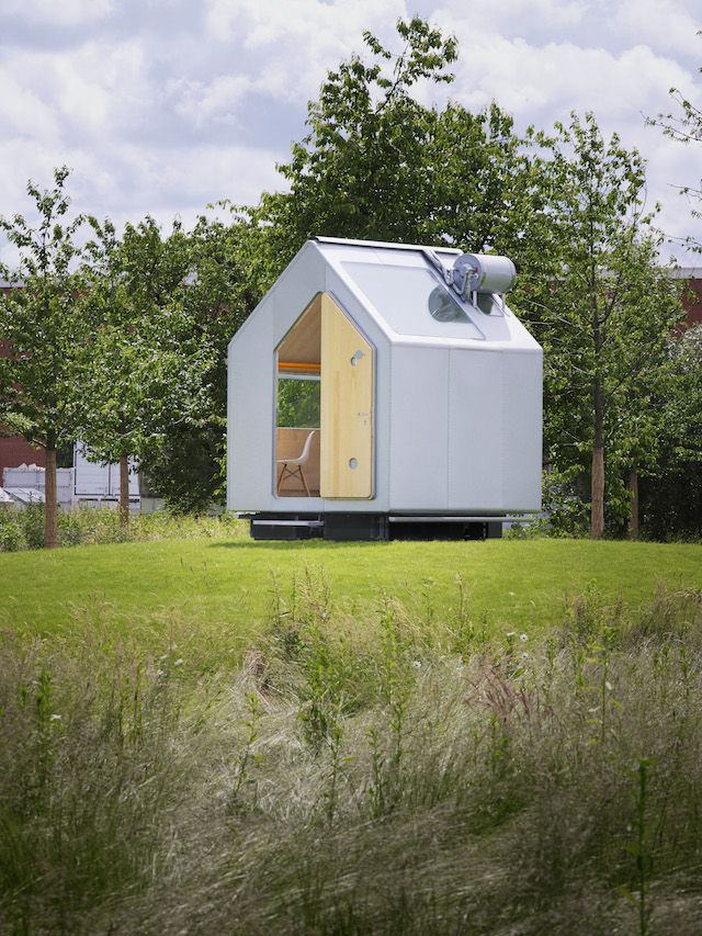Living On The Road – The New Nomads | iGNANT.de. This experimental shelter created by Renzo Piano serves as a prototype for nomadic, off-grid housing. The micro unit supports a number of uses ranging from workspace to studio and weekend home. Sustainable and mobile, the tiny pitched-roof dwelling promotes a paired down approach to living without sacrificing basic creature comforts.