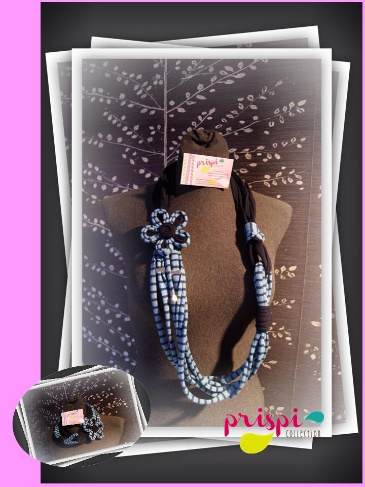 Collar de trapillo o tela reciclada azul marino y azul