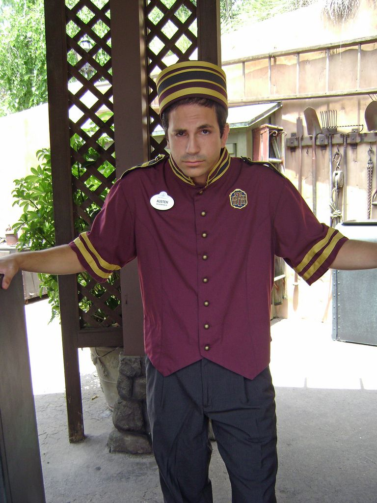 058dc884e31e hollywood tower hotel bellhop costume - Google Search | Halloween ...