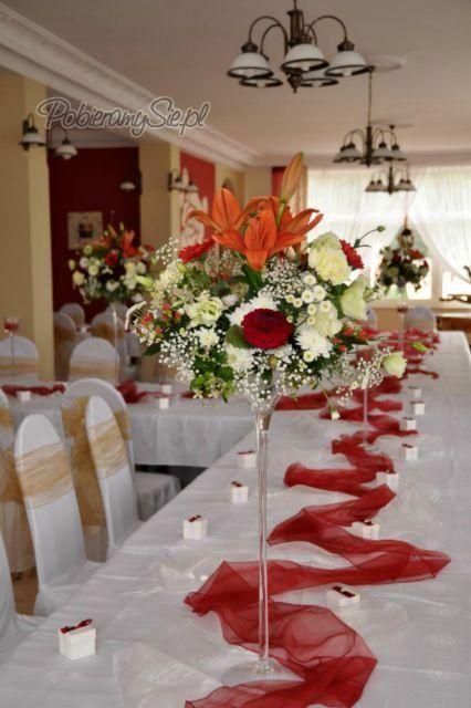 Dekoracja Sali Weselnej Dekoracja Stolu Weselnego Bordo Czerwien Wazony Fall Decor Table Decorations Decor