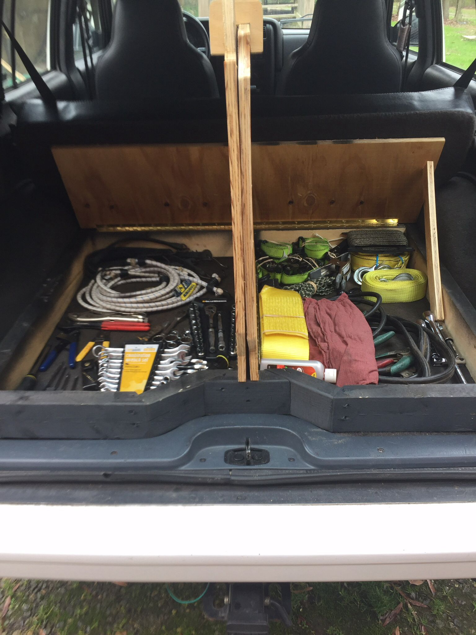 interior storage space in jeep xj