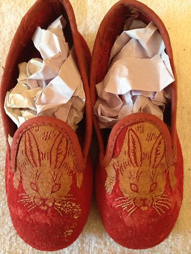 5b93246232eed Antique Vintage 1920s Childrens House Shoes Slippers Red w Rabbits ...