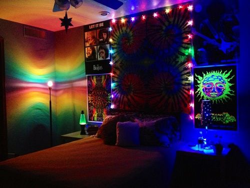 love the lights  posters  hippie bedroom decor hippy