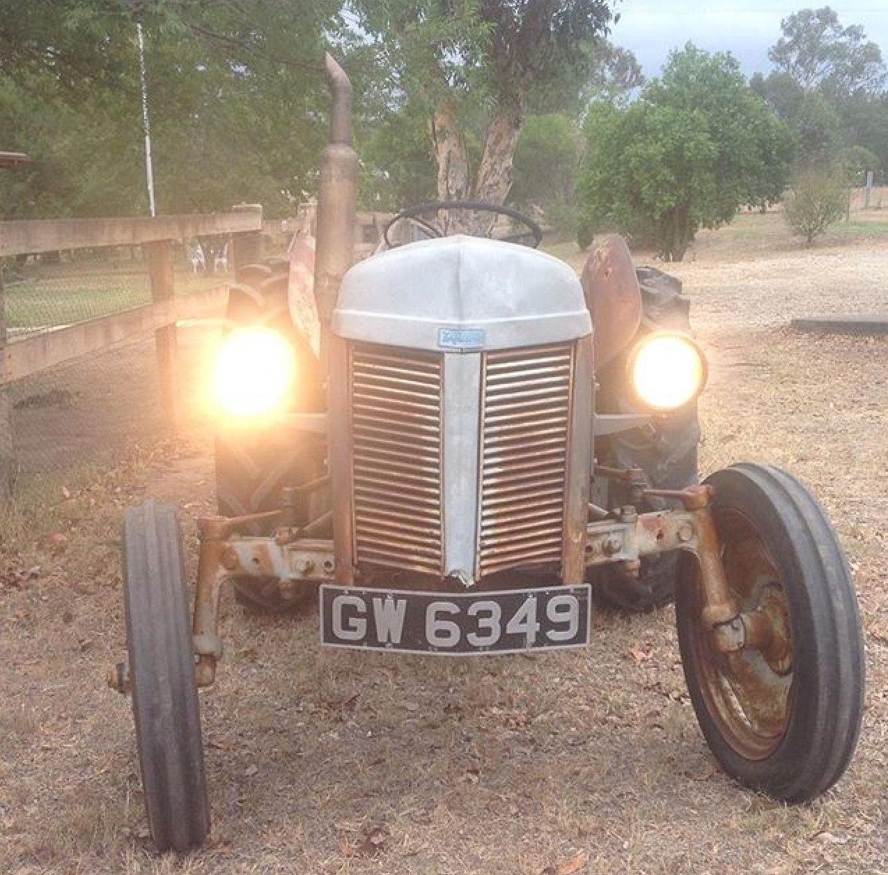 1952 Tea20 Ferguson Tractor Lights On Tractor Lights Old Tractors Tractors
