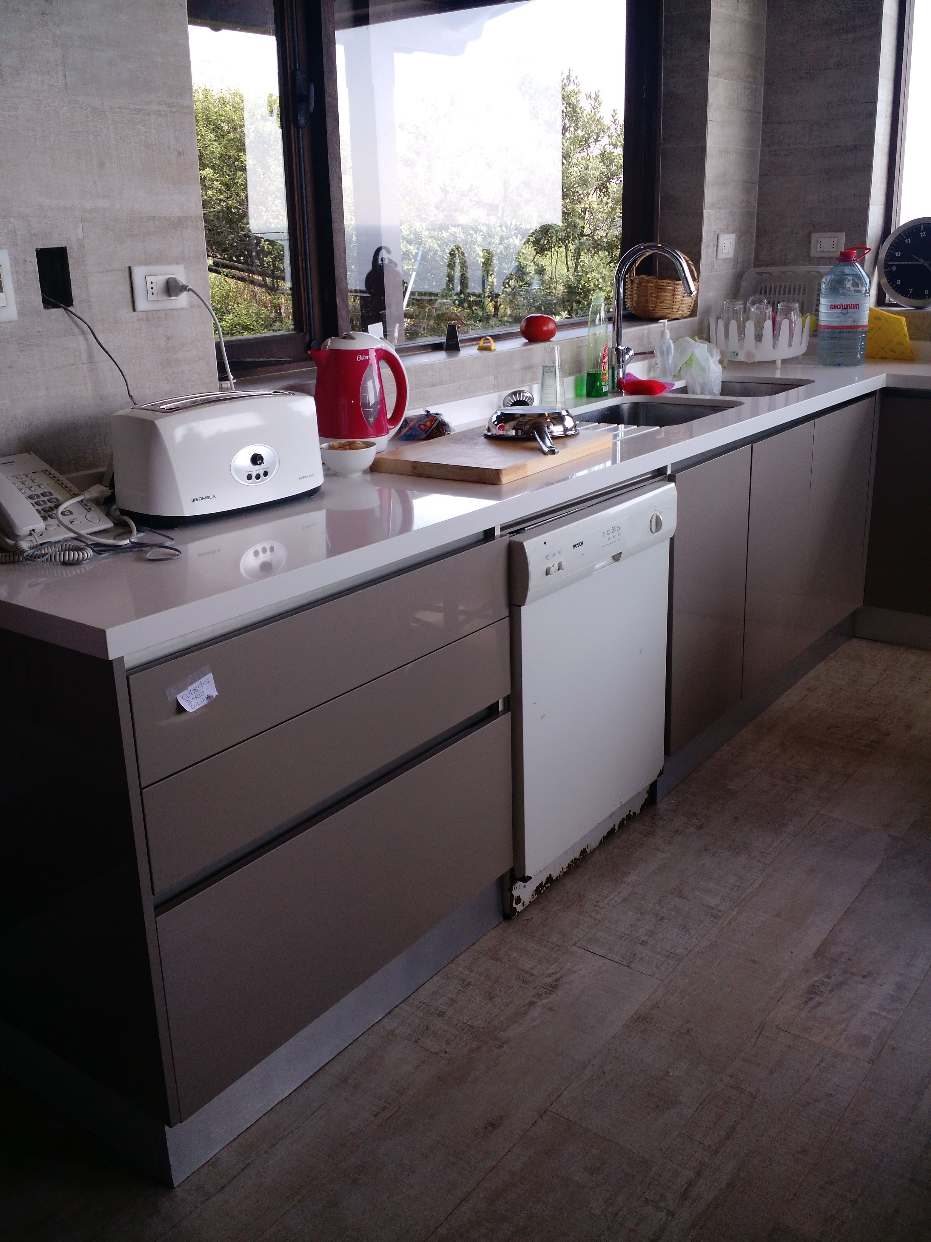 Cocina Casa Guerrero-Cachagua | Muebles de cocina de Rodrigo Meneses ...