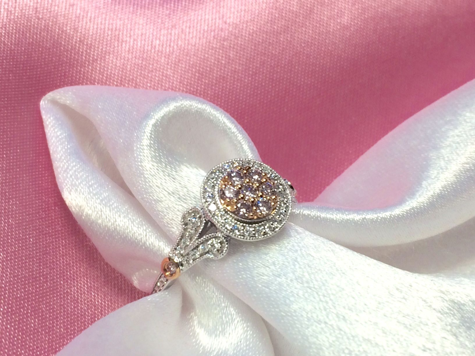 Go PINK or go home! Blushing pink Argyle Diamonds & Rose Gold, Halo ...