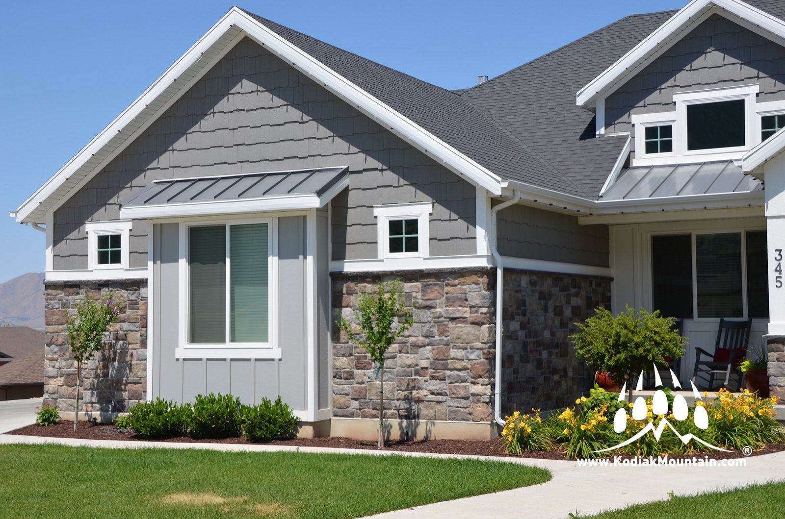 Southern Hackett Color Blend Almond Buff Dutch Creek And Granite House Exterior House Colors Exterior