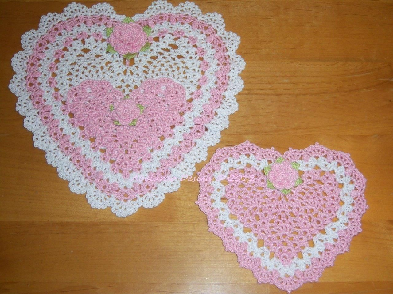 NEW CROCHETED VALENTINE HEART POCKET & HEART W/ ROSES DOILY Set of 2 ...