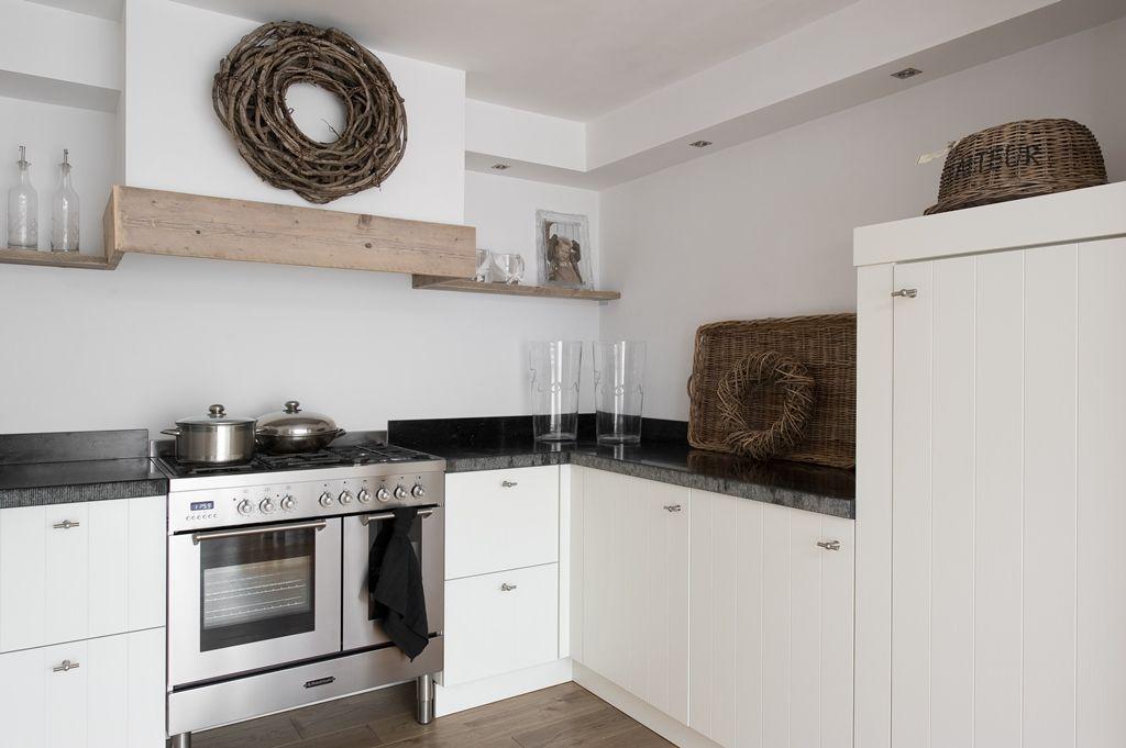 landelijke keukens nostalgische keukens moderne keukens. Black Bedroom Furniture Sets. Home Design Ideas