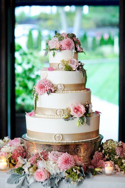 Beautiful cake!! /// photography by: Dasha Kazakova Photography