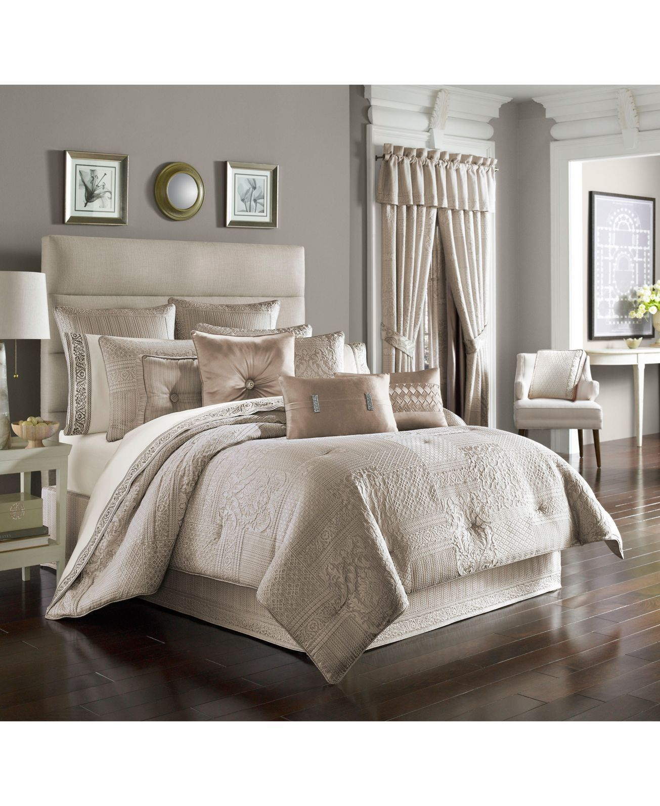A Rich Neutral Alabaster Tone Brings Style And Elegance To The Wilmington King Comforter Set From J Queen Beige Comforter Luxury Bedding Luxury Comforter Sets