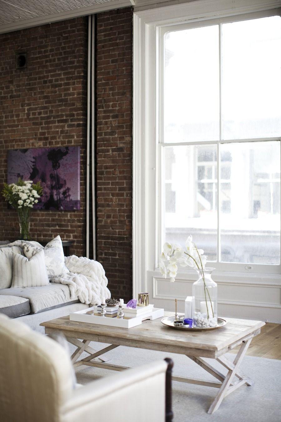 Photography: Chellise Michael - chellisemichaelphotography.com  Read More: http://www.stylemepretty.com/living/2014/02/03/all-white-soho-loft/