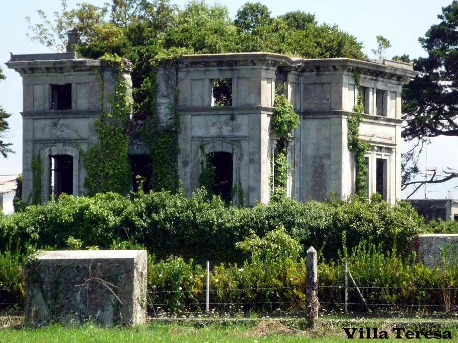 Villa Teresa Llanes Mansiones abandonadas, Edificios