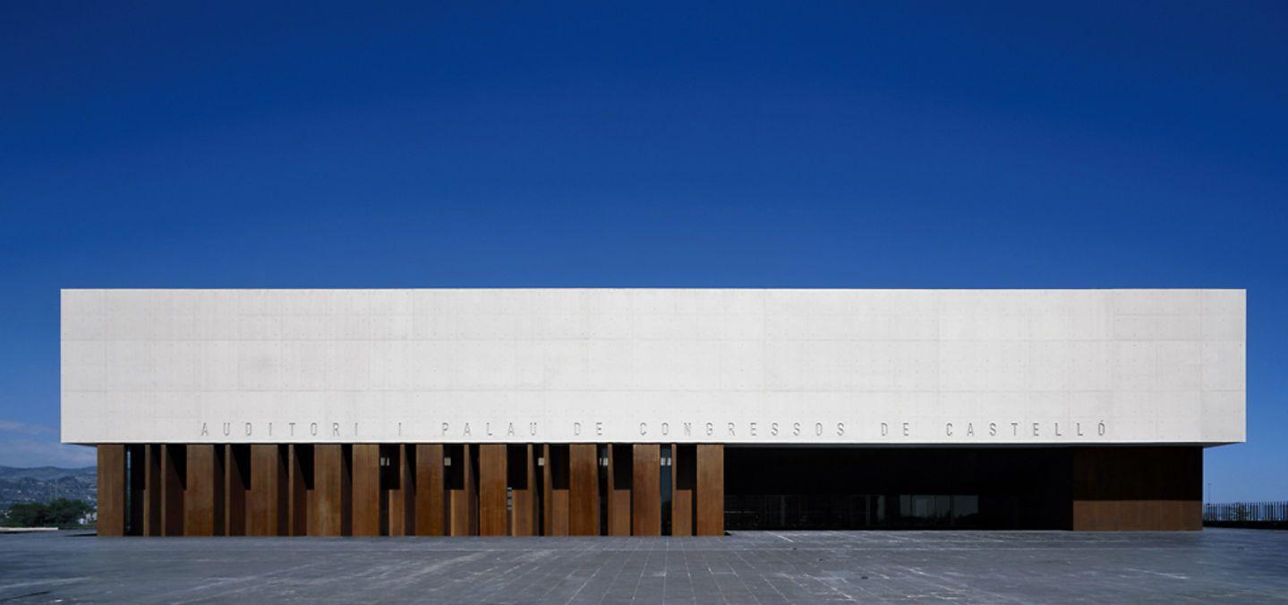 Pin By Divisare On Ferrater Aka Oab Facade Design Auditorium Architecture
