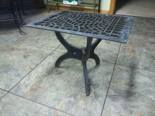 Rare Antique Cast Iron Floor Grate Table With Images Iron