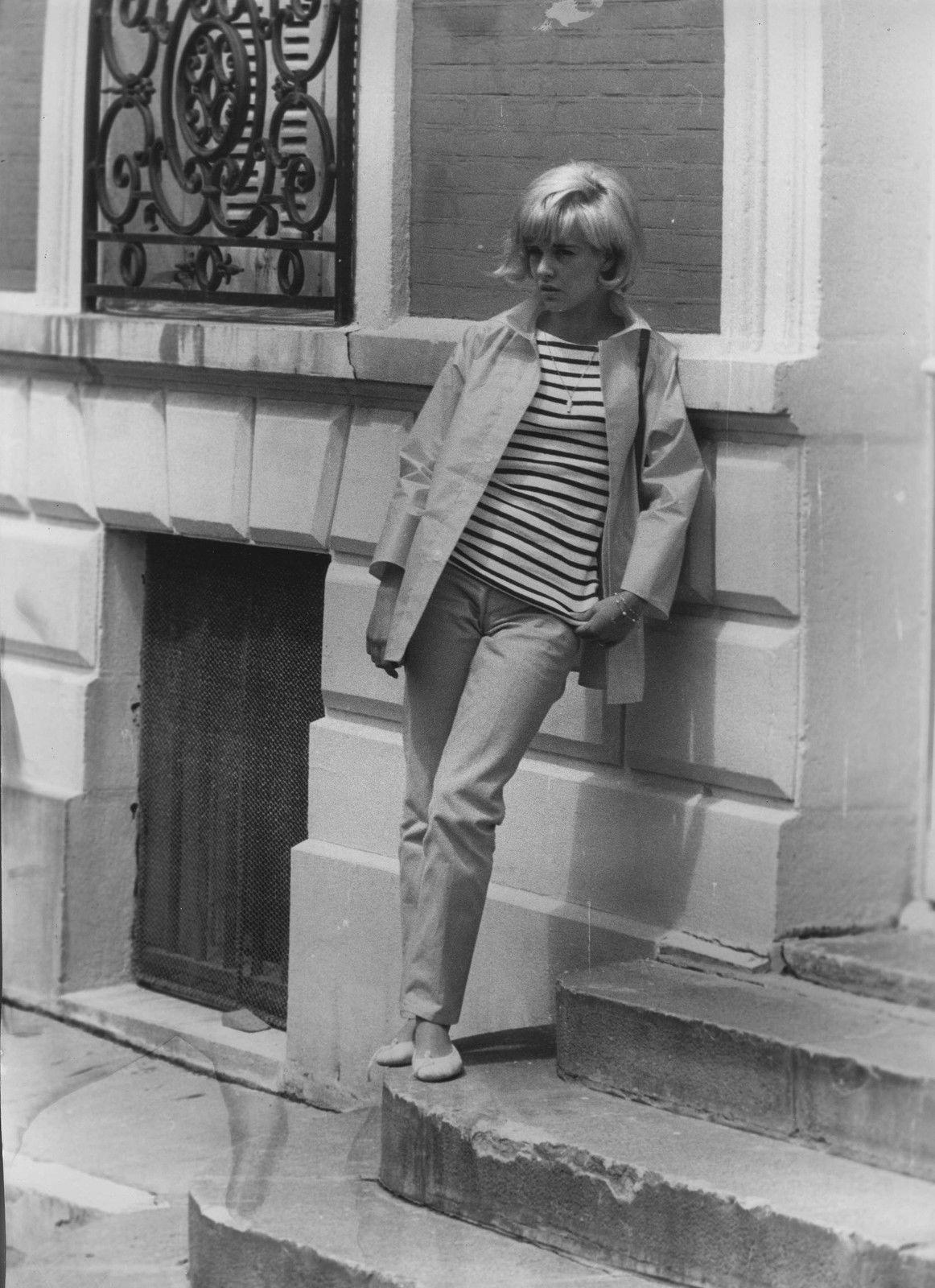"en-dansant-la-javanaise: "" Sylvie VARTAN en 1969 par Patrick BERTRAND """