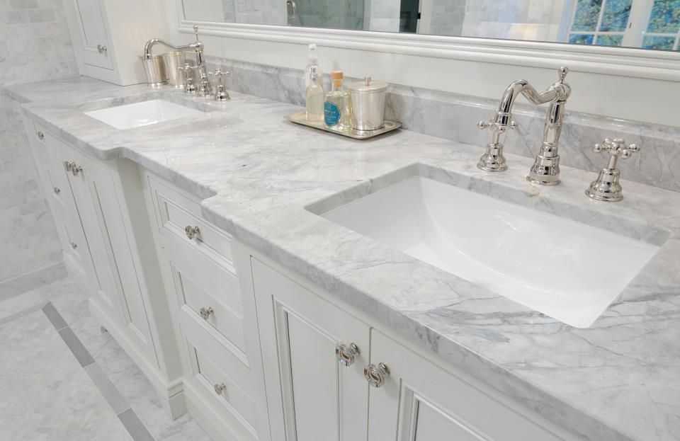 Super White Granite Looks So Elegant With This Bumped Out Bathroom Vanity A Unique Feature In An Super White Granite Granite Bathroom White Granite Bathroom