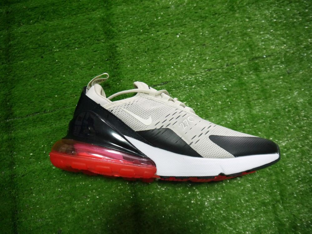 Women's LifeStyle Shoes (SIze 6.5) Nike Air Max 270