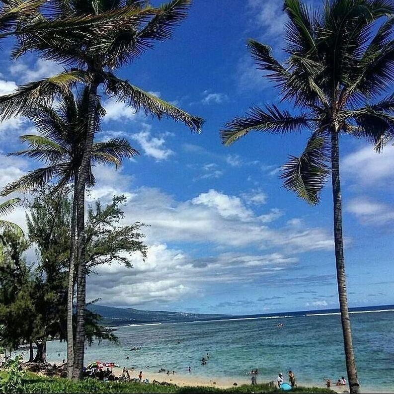 Au Trou d'eau (Photo envoyée par @caroline_idt) N'hésitez pas vous aussi à envoyer vos photos et à liker la page Facebook.com/ile974 (publications différentes d'ici )  #lareunion #reunion #gotoreunion #reunionisland #iledelareunion #reunionparadis #reuniontourisme #igerslareunion #nature  #ile974 #island #paysage #paradise  #great #Amazing #photo #beautiful #plage #jolie by 974_lareunion