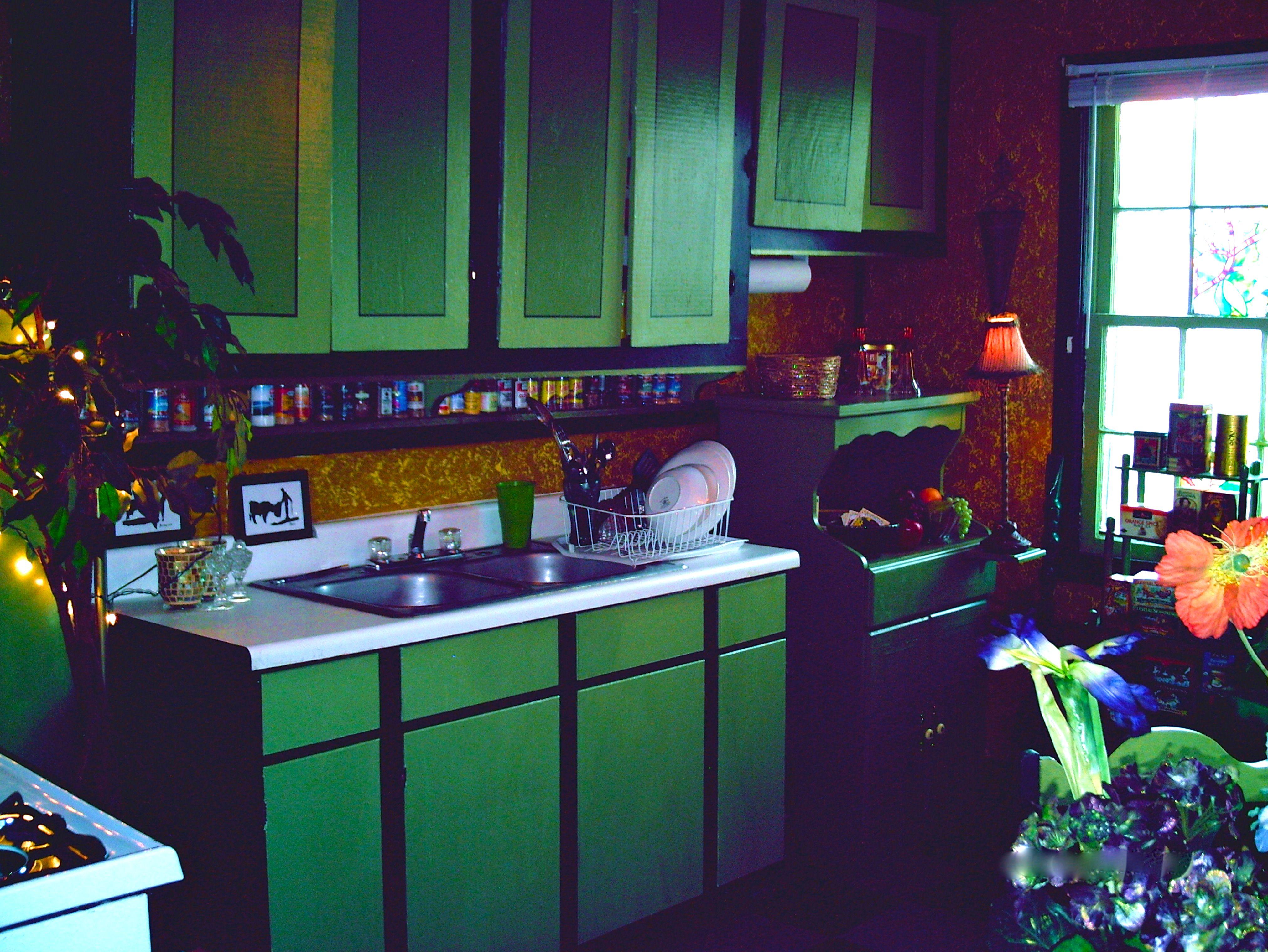 Küchenideen rot und weiß die besten  bilder zu reginas cabinets for her kitchen auf