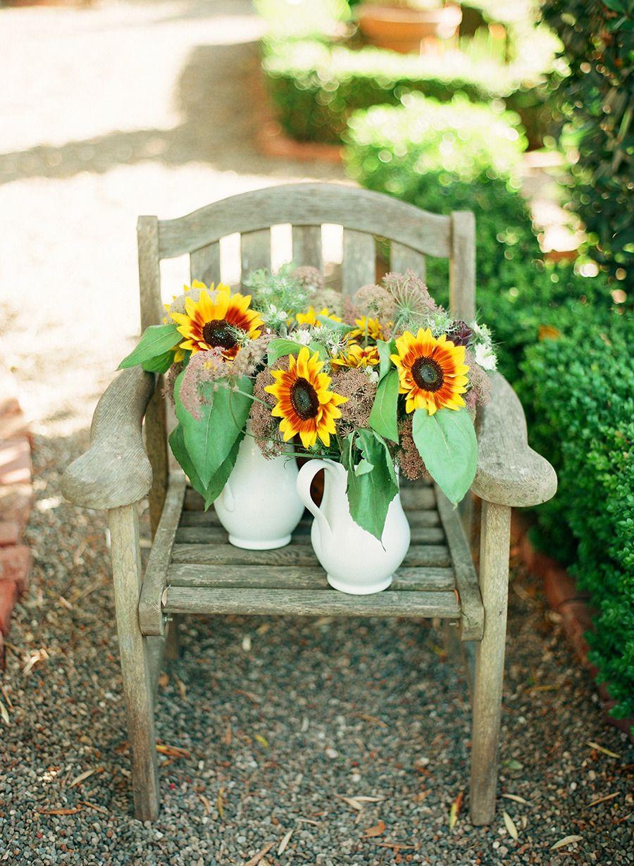 10 In Season Flowers For Fall Weddings Wedding Flowers Purple Wedding Flowers Bright Wedding Flowers