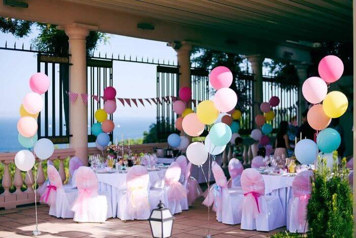 Luftballons Hochzeit Deko in 2019  Hochzeitsdeko