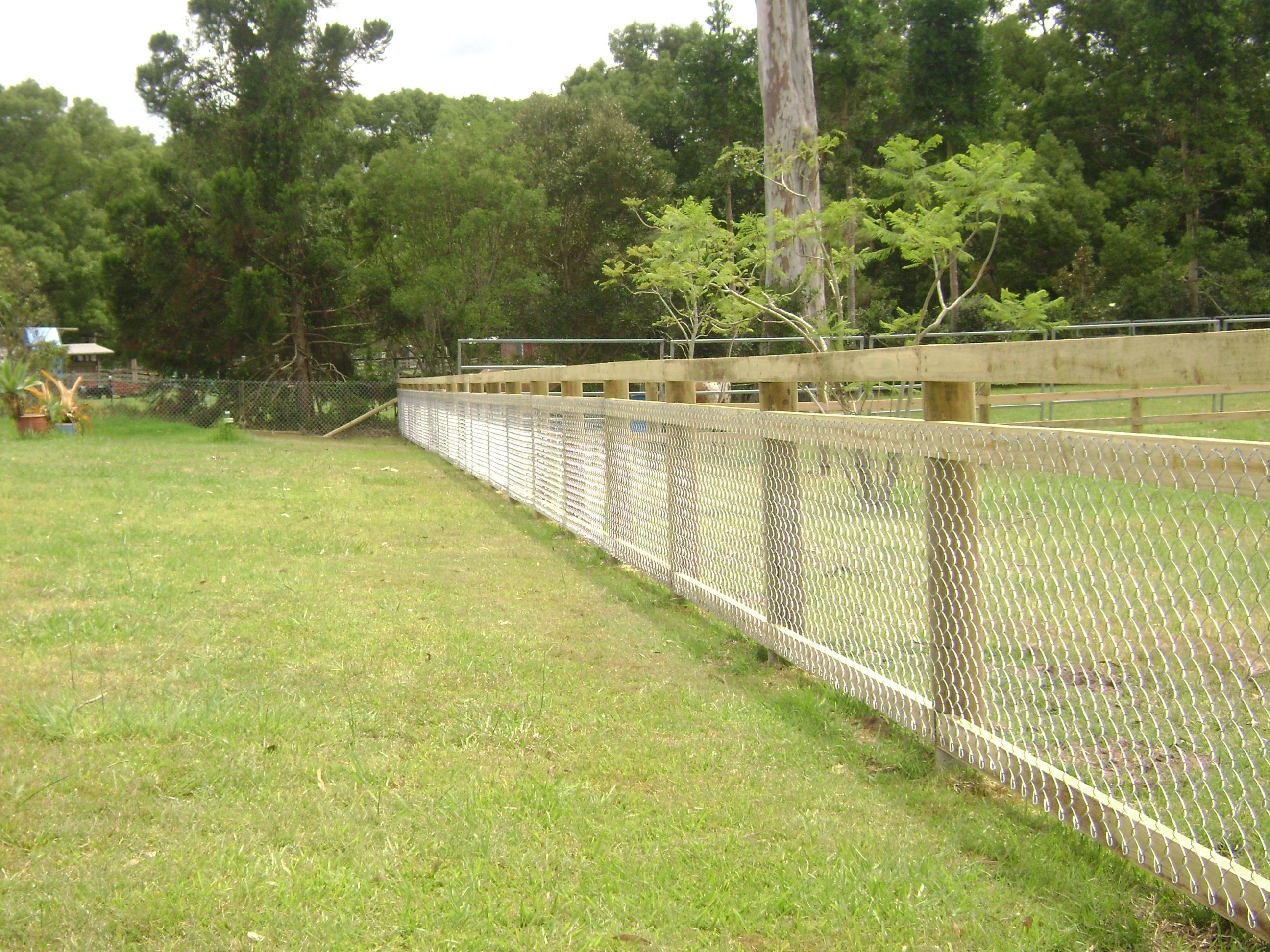 Pin by Lisa Anne on Fence | Pinterest | Timber posts, Fences and ...